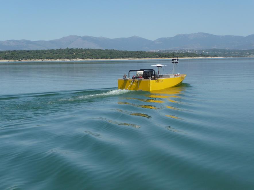 Maneuverability in open lake